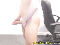 Twink gets nude in front of the camera and wanks his dick